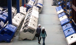 Phát triển công nghiệp ôtô: Đúc kiềng không chân?