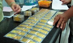 Đấu thầu vàng miếng: Bình ổn thị trường, không bình ổn giá