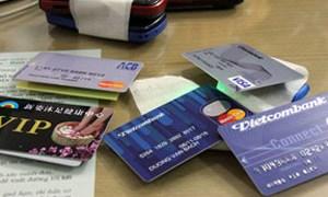 Cẩn thận với thẻ tín dụng giả