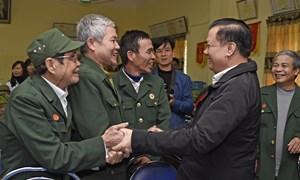 Bộ trưởng Đinh Tiến Dũng thăm và chúc Tết thương bệnh binh, người có hoàn cảnh khó khăn tại Ninh Bình