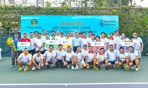 Hàng trăm người công ty Phú Long tham gia cổ vũ giải quần vợt mừng Xuân 2019