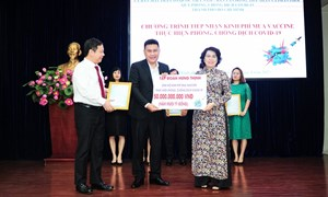Tập đoàn Hưng Thịnh trao tặng 50 tỷ đồng mua vaccine phòng ngừa Covid-19