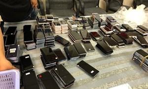 Hải quan Tân Sơn Nhất bắt giữ lô hàng điện thoại ước tính gần 3 tỷ đồng