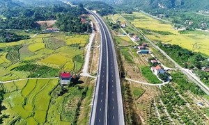 Ký hợp đồng BOT Cao tốc Bắc - Nam đoạn Cam Lâm - Vĩnh Hảo