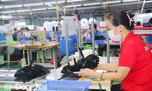 Sản xuất giày dép giảm sâu