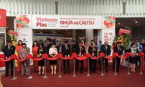 20 quốc gia tham dự triển lãm quốc tế về công nghiệp nhựa và cao su