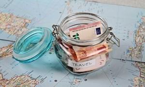 [Infographics] 10 cách tiết kiệm tiền khi đi du lịch