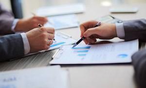 Vấn đề pháp lý về quyền và nghĩa vụ của công ty đại chúng trong hoạt động công bố thông tin