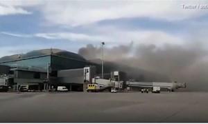 [Video] Cháy sân bay ở Tây Ban Nha khiến hàng chục chuyến bay bị hủy