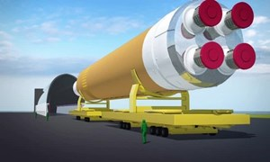 [Video] Hành trình vượt sông của tên lửa đẩy lớn nhất thế giới