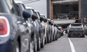 Doanh số bán ôtô mới ở Anh giảm khoảng 40% trong tháng 1