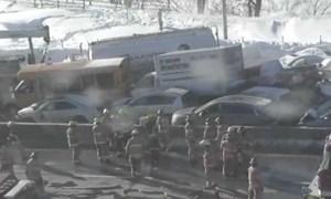 [Video] Trăm xe đâm liên hoàn trên cao tốc Canada, hàng chục người bị thương