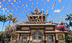 [Ảnh] Chiêm ngưỡng nét đẹp cổ kính pha lẫn hiện đại của chùa Bửu Minh