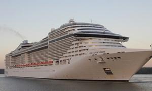 [Video] Du thuyền chở 1.400 khách đến Vũng Tàu