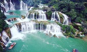 [Video] Cảnh đẹp như xứ tiên ở thác Bản Giốc