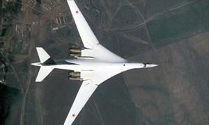 [Video] Xem máy bay ném bom Nga tiếp nhiên liệu ngoạn mục ở tốc độ 600km/h