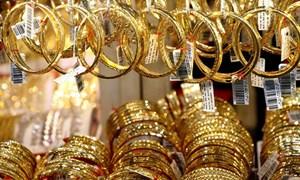 Giá vàng giảm mạnh do các nước điều chỉnh chính sách tài khóa