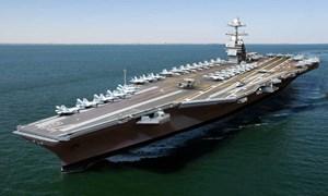 [Video] Khách chiêm ngưỡng dàn tiêm kích trên tàu sân bay Mỹ