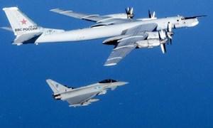 [Video] Chiến cơ Nga được cặp tiêm kích Nhật Bản hộ tống