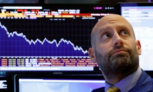 Chứng khoán Mỹ sụt điểm theo lợi suất trái phiếu