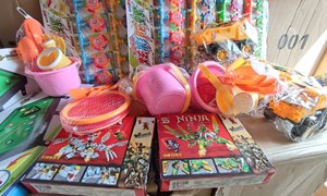 Chặn hơn 12.000 đồ chơi trẻ em không rõ nguồn gốc trên đường tiêu thụ