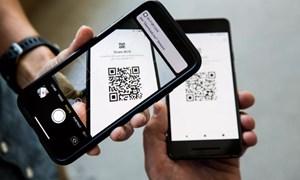 [Video] Người dân Nga dùng mã QR trên điện thoại để khai báo y tế khi ra đường