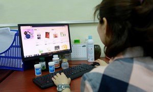 [Video] Cẩn trọng khi mua các sản phẩm bảo hộ y tế qua mạng