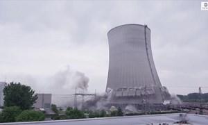 [Video] Cận cảnh phá dỡ nhà máy điện hạt nhân ở Đức