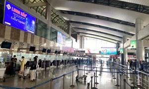 Xung quanh đề xuất bỏ trần vé máy bay