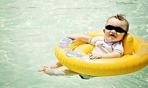 [Infographics] Những điểm cần lưu ý khi cho trẻ tắm biển mùa Hè