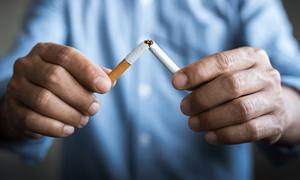 Người hút thuốc lá nguy cơ mắc COVID-19 cao gấp 1,5 lần, dễ trở nặng khi nhiễm virus