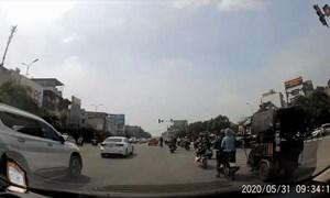 [Video] Xe ba bánh vượt ẩu, gây tai nạn rồi bỏ chạy ở Hà Nội