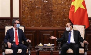Chủ tịch nước Nguyễn Xuân Phúc đề nghị EU hỗ trợ tiếp cận nguồn cung vắc-xin Covid-19