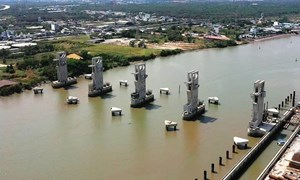 [Video] Hệ thống ngăn triều 10.000 tỷ đang xây dựng thế nào?