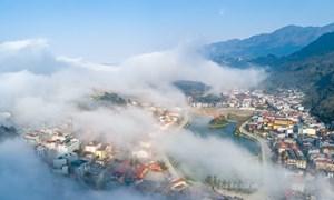 [Video] Sa Pa ẩn hiện dưới biển mây bồng bềnh