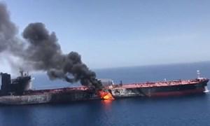 [Video] Nghi vấn về động cơ vụ tấn công tàu dầu trên Vịnh Oman