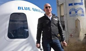 28 triệu USD cho một vé lên vũ trụ cùng tỷ phú Jeff Bezos