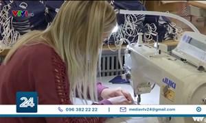 [Video] Khẩu trang Pháp ế ẩm khi dịch bệnh lắng dịu