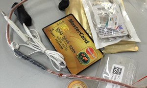 [Video] Tràn lan tình trạng rao bán thiết bị gian lận thi cử
