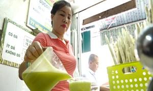 [Video] Quán nước mía thu gần 7 triệu đồng mỗi ngày trong đợt nắng nóng