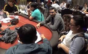 [Video] Khám xét sòng poker do người Hàn Quốc cầm đầu ở Sài Gòn
