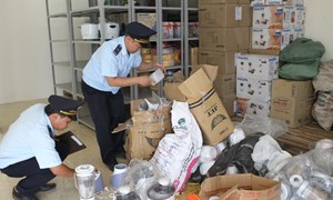 Tổng cục Hải quan thu nộp ngân sách nhà nước hơn 157 tỷ đồng từ công tác chống buôn lậu