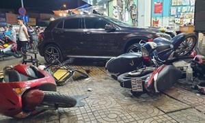 [Video] Nhìn lại vụ nữ tài xế lái Mercedes tông hàng loạt xe máy ở Sài Gòn tối 7/7