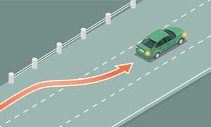 [Infographics] Ôtô chuyển làn trên cao tốc không bật xi-nhan phạt tới 5 triệu
