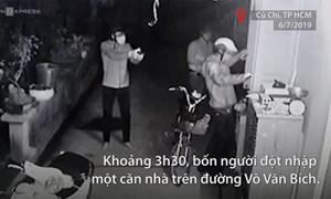 [Video] Nóng: Băng trộm rút súng uy hiếp chủ nhà ở Sài Gòn