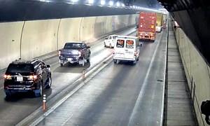 [Video] Hàng chục ôtô vượt ẩu trong hầm Hải Vân