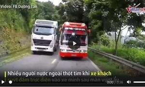 [Video] Xe khách chạy kiểu tự sát, suýt gây tai nạn nghiêm trọng