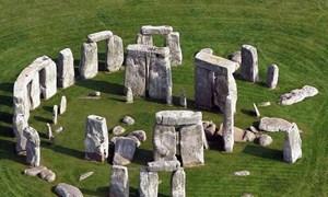 [Video] Tìm ra bí ẩn hàng nghìn năm của bãi đá nổi tiếng nhất nước Anh