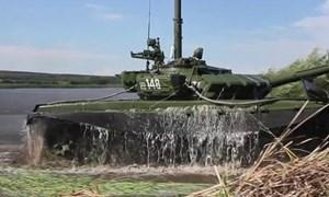 [Video] Xe tăng T-72B3 của Nga gây sửng sốt vì lặn sông như tàu ngầm