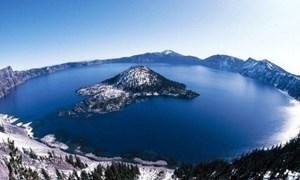 [Video] Hồ nước trên miệng núi lửa xanh và sạch nhất thế giới